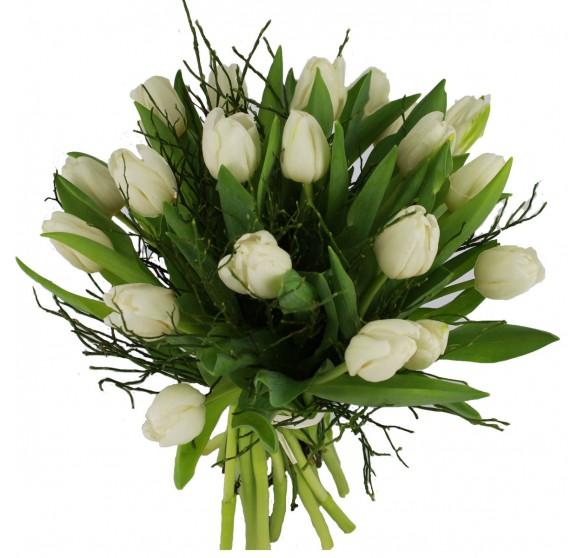 Strauß mit weißen Tulpen